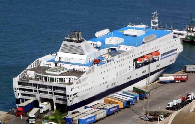 prezzi dei traghetti mostruosi 1200 euro per arrivare in