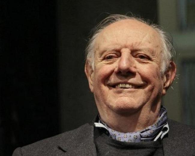 """Dario Fo da giullare a Nobel. Il figlio Iacopo: """"Un gran finale"""" 16000_650_320_dy_Addio_a_Dario_Fo_nobel_per_la_letteratura"""