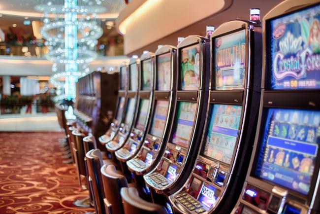 Risultati immagini per slot machine foto