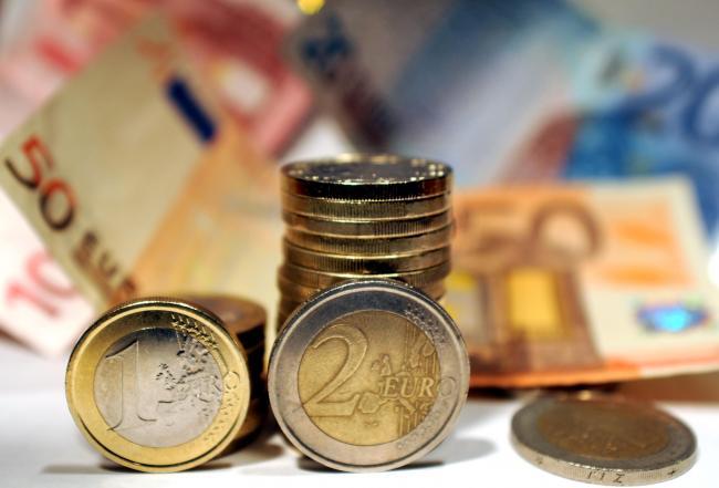 La crisi spaventa gli italiani, il denaro non circola. Aumentano le riserve in banca