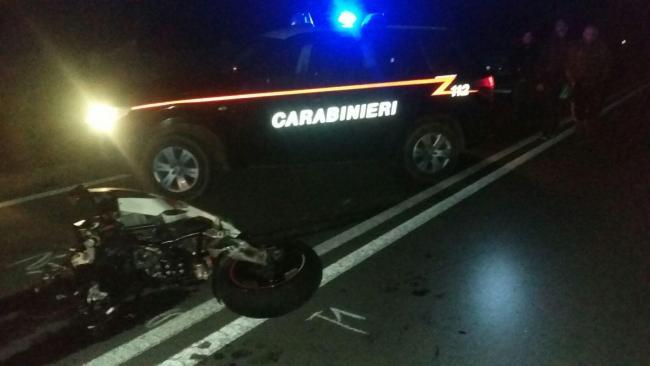 Perde il controllo della moto sulla strada per Pula: muore a 26 anni
