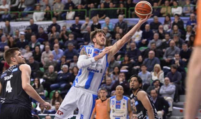 I giganti si impongono nel match contro l'Aquila Basket 78-67