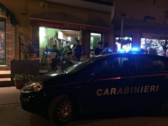 Rapinatore in azione in un bar di Pula. Si fa consegnare 700 euro poi viene arrestato