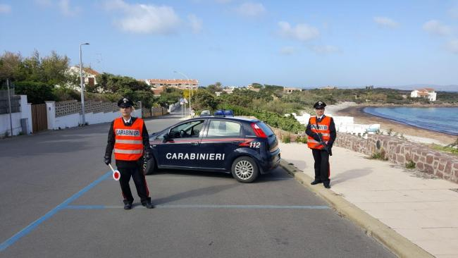 Calasetta. In preda all'alcol vagava per la spiaggia, bloccato dai Carabinieri un cittadino polacco