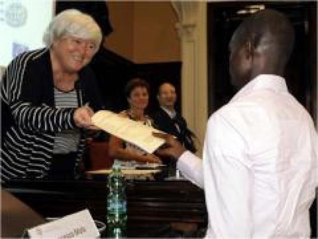 Cagliari. Consegnati i primi Passaporti Europei universitari a 12 rifugiati
